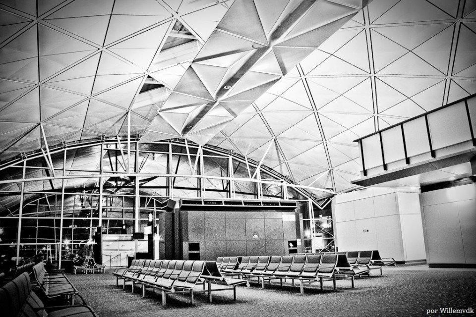 empty airport_Willemvdk